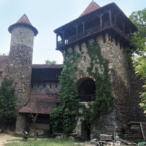 Blansko - Máchův památník a Nový hrad